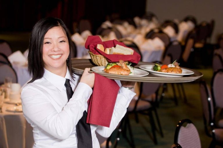 Kiat Mengatur Jadwal Karyawan Restoran Saat Ramadan