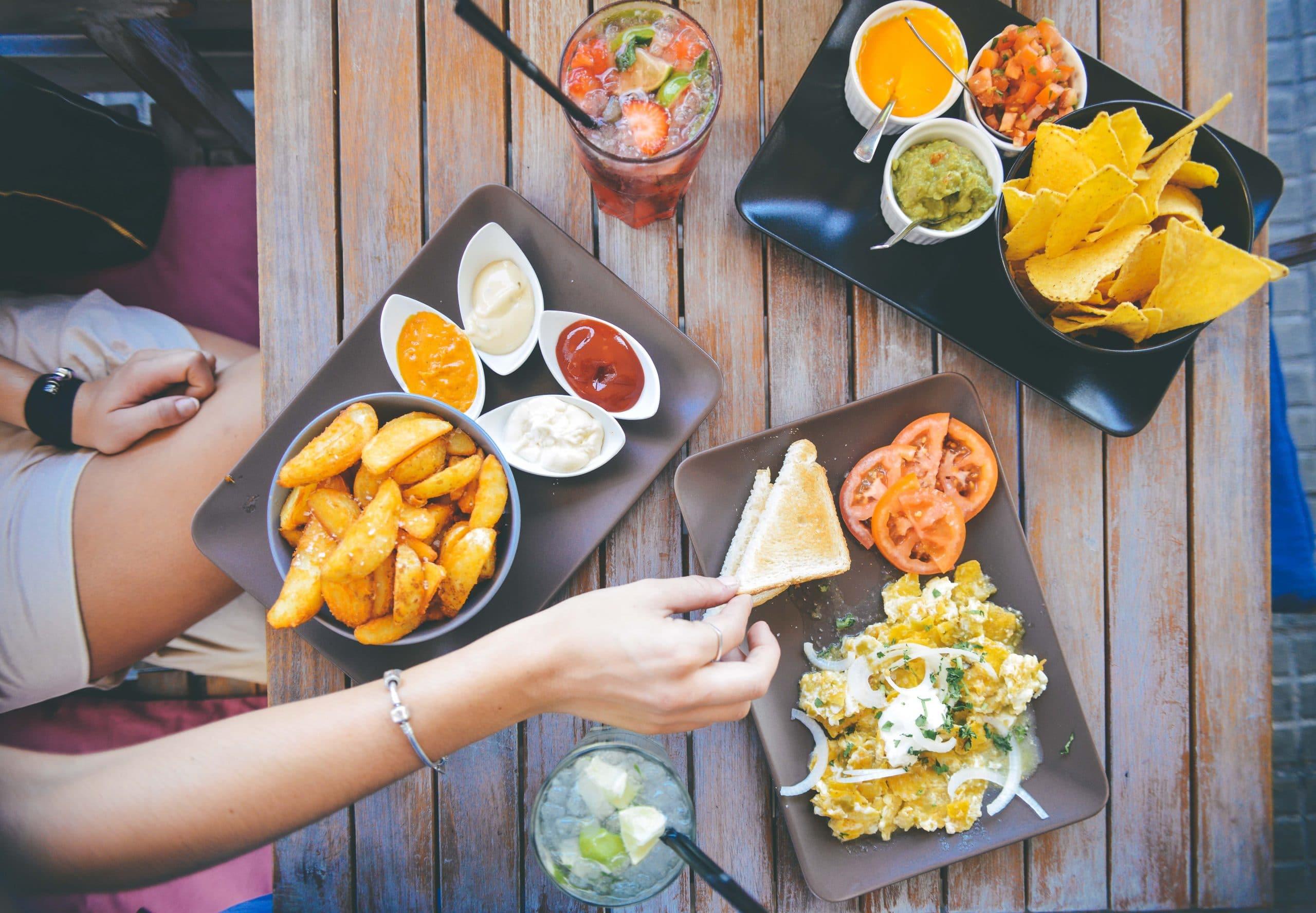 5 Tips Menurunkan Pengeluaran Bisnis Restoran Secara Efektif